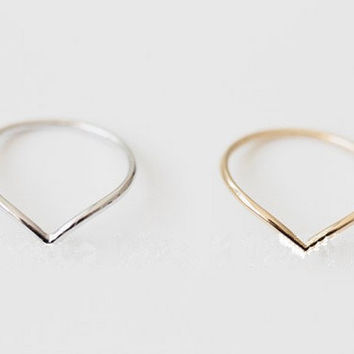 "Chevron Knuckle Rings ""V"" Shape Midi Ring"