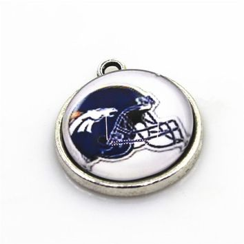 New Arrive 10pcs Helmet Denver Broncos Dangle Charms Football Sport Hanging Charms DIY Bracelet Jewelry Fittings Charms