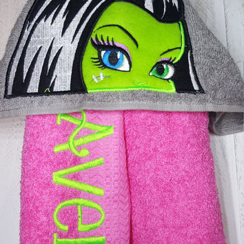 Frankie Stein Personilized Hooded Towel Monster High