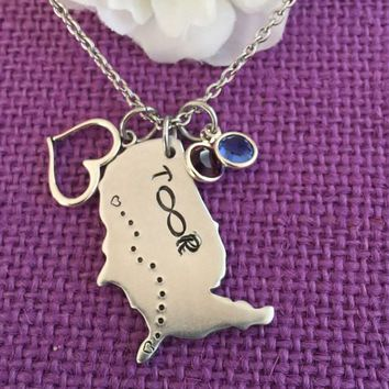 Long Distance Relationship - Best Friend Gift - USA Keychain - Heart to Heart - Going Away Gift - United States Pendant - valentines gift