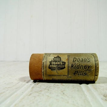 Antique Doan's Kidney Pills Wooden Box 2 Piece Canister with Original Paper Label - Vintage General Store Pharmacy Wood Pill Bottle with Lid