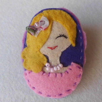 Blonde Woman with a Pink Dress Felt Brooch with Pearl Necklace, Embroidered Felt Brooch