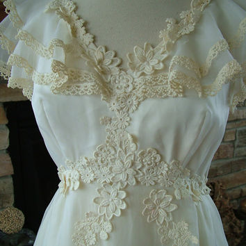 Wedding dress 1970s vintage bridal gown by RetroVintageWeddings