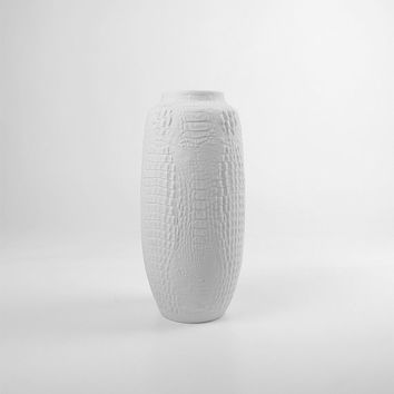 Large Kaiser Crocodile Pattern Vase. White Bisque Porcelain. AK Kaiser. 60s 70s.