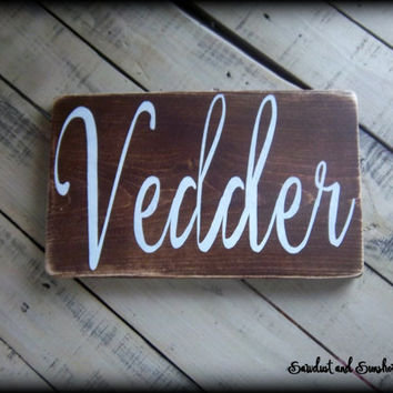Family Name Sign, Stained Wood Plaque, Rustic Wooden Sign, Last Name Sign, Wedding Gift, Anniversary Gift, Bridal Shower Gift, Wood Plaque
