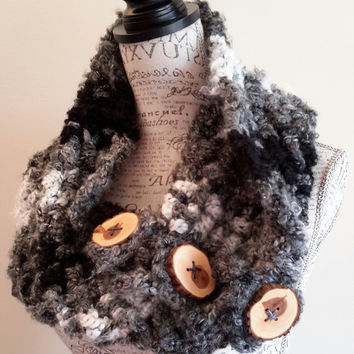 Black Zebra Button Scarf. Chunky. Katniss inspired cowl. Boston scarf. Made by Bead Gs on Etsy