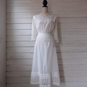 Antique Edwardian Tea Dress   1910s Batiste Cotton Day Dress   A 2820ee2b1