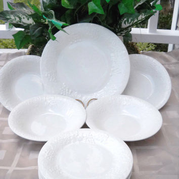 Gibson  Everyday  White Fruit  Embossed Stoneware  Pattern 10 Piece  Set