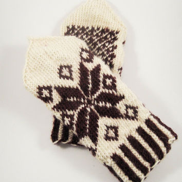 Hand knitted snoflake wool mittens, white and wine red mittens, knitted mittens, knit mittens, wool gloves, accessories, autumn accessories,