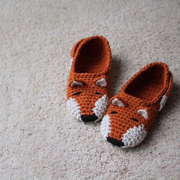 Instant Download - Crochet Pattern - Fox Slippers (Child to Woman size 12)
