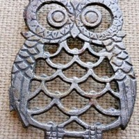 """Vintage Big Eyed Owl Coffee Cup Coaster Footed Metal Trivet 4"""" Kitchen or Office"""