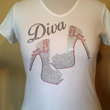 Diva High Heels,with red chains pumps rhinestone t-shirt. Diva in black rhinetsones