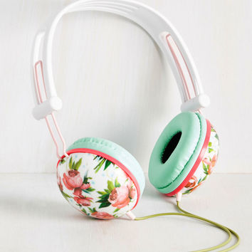 Swoons and Tunes Headphones in Pink Roses