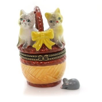 Hinged Trinket Box TWO CATS IN A BASKET Porcelain Mouse Kittens Eb558