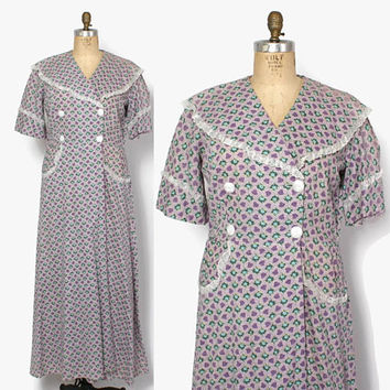 Vintage 50s DRESSING GOWN / 1950s Lavender Floral Plisse Cotton Summer Robe XL Plus Size