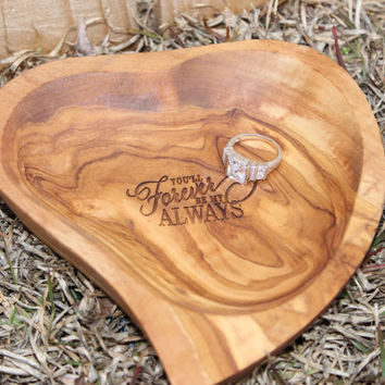 Personalized Olive Wood heart dish,  Valentines gift,  jewelry dish,  bridal gift,  bridesmaid gift,  monogrammed gift, engraved as you wish