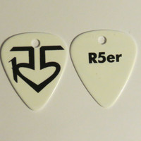 Black double sided R5 logo R5er guitar pick pendant unofficial
