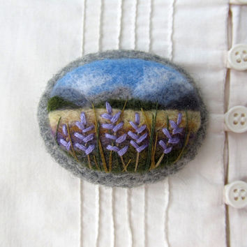 Needle felted brooch Lavender.
