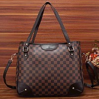 Louis Vuitton women's trendy leather handbag shoulder bag Messenger bag F