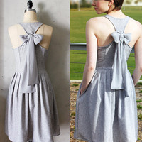 TRUFFLE FIELDS - Heather gray linen dress with pockets // pale silver chiffon bow // pleated skirt // bridesmaid dress // vintage inspired