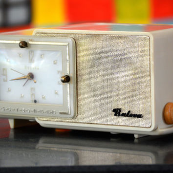 Bluetooth Speaker: 1950s Ivory Bulova Clock Radio Mp3 Player