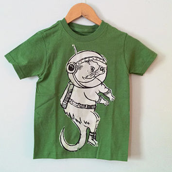 Otter Space Green // t-shirt // kids small 6/7