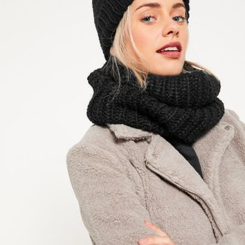 Missguided - Knitted Snood and Hat Set Black