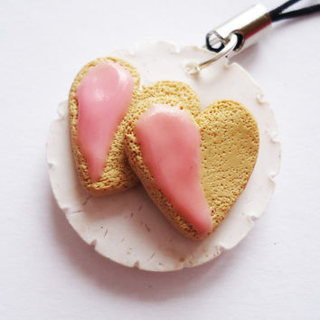 CHARM / KEYCHAIN / NECKLACE  Cute Heart Cookies on by FrozenNote