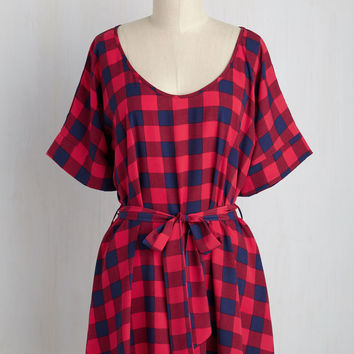 Medium Format Memory Tunic in Buffalo Plaid | Mod Retro Vintage Short Sleeve Shirts | ModCloth.com