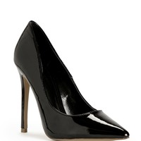 Black On-point Pumps
