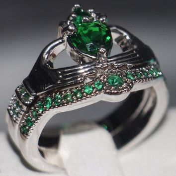Size 5-11 New Arrival Fashion Jewelry 10KT White Gold Filled Pear Cut 5A Green CZ Women Wedding Engagement Claddagh Couple Ring