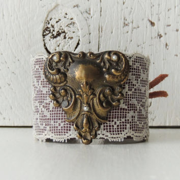 Bohemian Chic Leather Cuff / Brass and Leather / Leather and Lace Cuff / Boho Chic Cuff / Victorian Cuff / Western Cuff / Rustic Wedding
