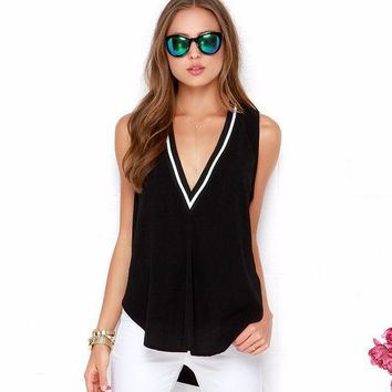 VOND4H New Fashion 2016 Summer Fashion Plus Size 6XL Deep V Neck Loose Casual Tops 65% Cotton Sleeveless Blouse Women XXXXL 5XL Blouse