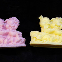 pig novelty soap ( 2 ) - pig farm - pig statue - stocking stuffer - farmhouse decor - handmade soap - Pick your Color and Fragrance