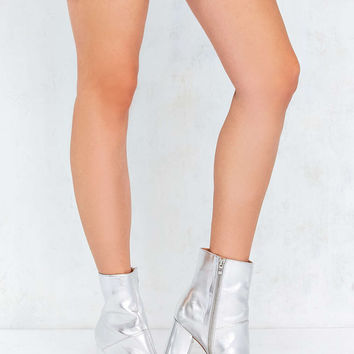 Zelda Metallic Ankle Boot - Urban Outfitters
