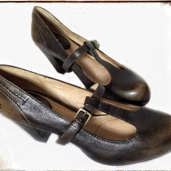 "Frye Brown Leather Mary Jane Kitten Heels ""like new"" Size 7M"