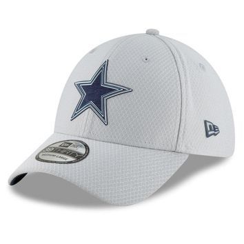 Dallas Cowboys NFL18 Gray Training Camp Gray 39THIRTY Flex Fit Hat By New Era