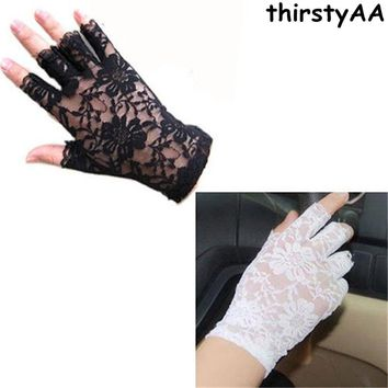 2017  Women vintage Amazing Goth Party sunscreen Sexy Dressy Lace Gloves anti-uv Mittens Fingerless Style