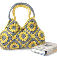 Wonderful crochet handbag in yellow and gray flowers by zolayka