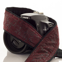 dSLR Camera Strap, Faux Leather Burgundy, Neck Strap, Nikon or Canon Strap, Quick Release, Vegan, Men or Women, Pocket, SLR, 197