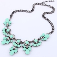 Vintage Resin Flower Bubble Bib Statement Pendant Necklace Choker Collar Jewellery (Multicolor)