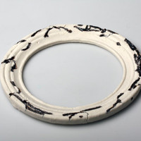 White round frame in stoneware Limoges porcelain and red clay