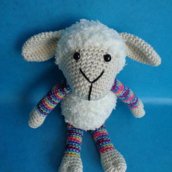 Suusje schaap, Stip en Haak inspired crochet sheep. Stuffed toy, amigurumi, babyshower gift, cuddly toy.