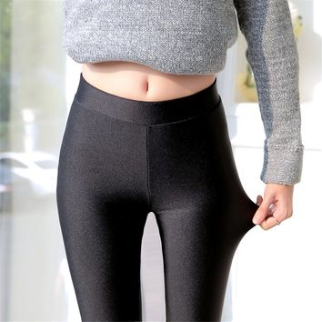 2017 Summer Autumn Elastic Thin Leggings Women Black Shiny Capris Fitness Legging Feminina Slim Elastic Shinny Leggings Large