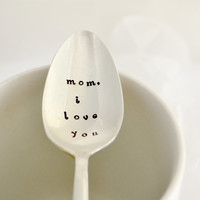 mom i love you, tea  spoon-silver plated- Mothers day gift- gift for mom-gift for grandma