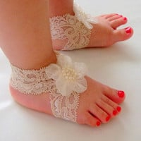 Baby Sandals, Baby Shoes, Cream Lace,Cream Flower-Handmade Baby Sandals with Cute Yoyo