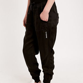Reebok Dance Woven Cargo Trousers in Black - Urban Outfitters