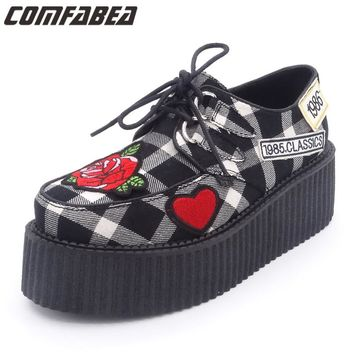 2017 Women Spring Autumn Classic Embroidered roses Punk Gothic Platform Creeper Shoes Women HARAJUKU Punk  shoe Grey color