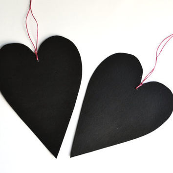 Set of 2 black hearts chalkboards made of cardboard and blackboard paint - Valentine's Day ornaments