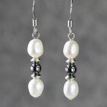 5.99-9.99 dollars Pearl drop beaded white black drop earrings Bridesmaid gifts Free US Shipping handmade Anni designs